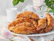 Рецепта Сладки домашни кифлички с фъстъчено масло и плънка от фъстъци (със суха мая)